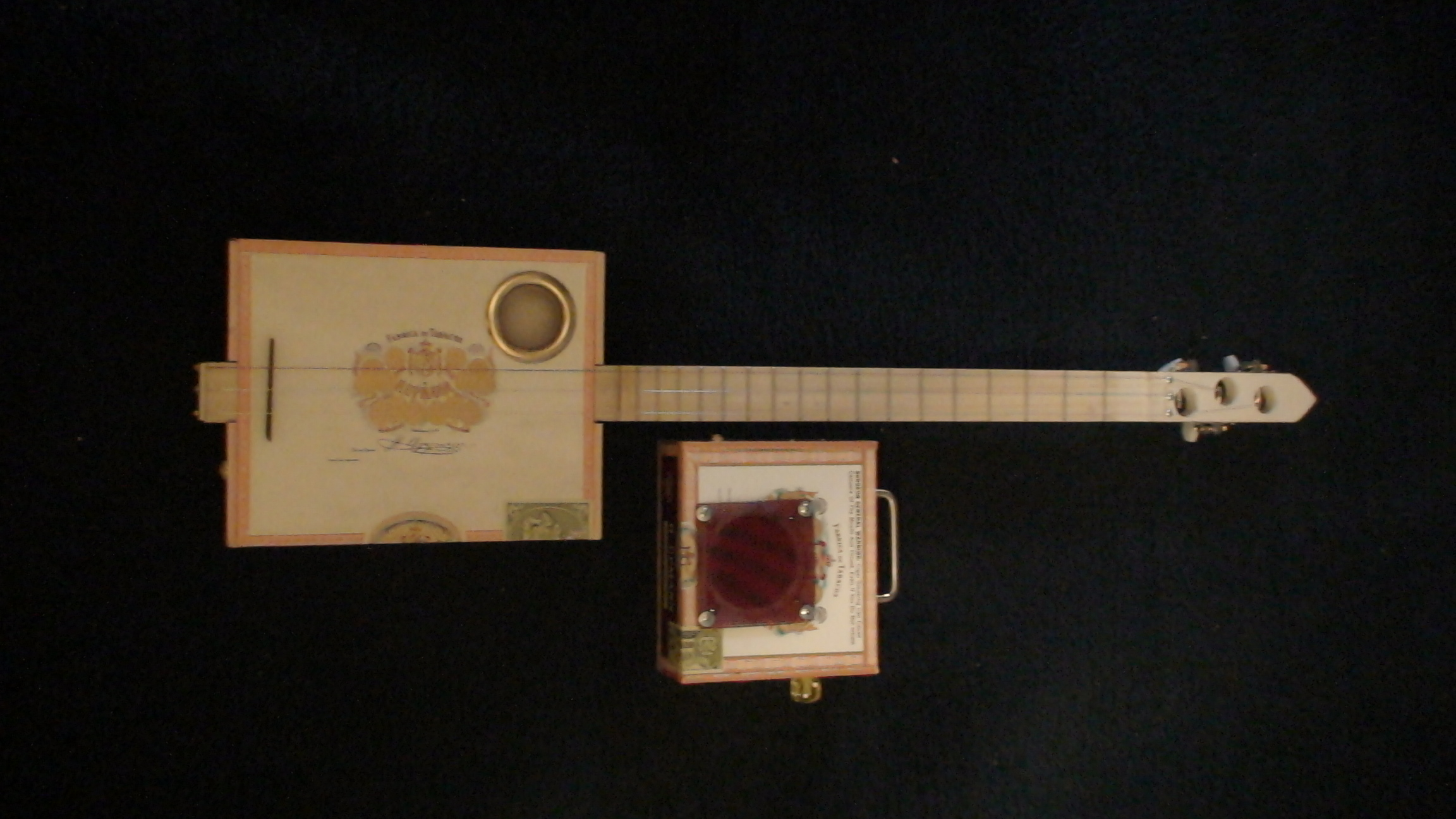 El Rey Cigar Box Guitar by Cipriano Vigil